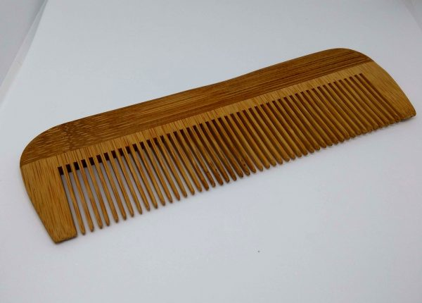 Bambusz fésű